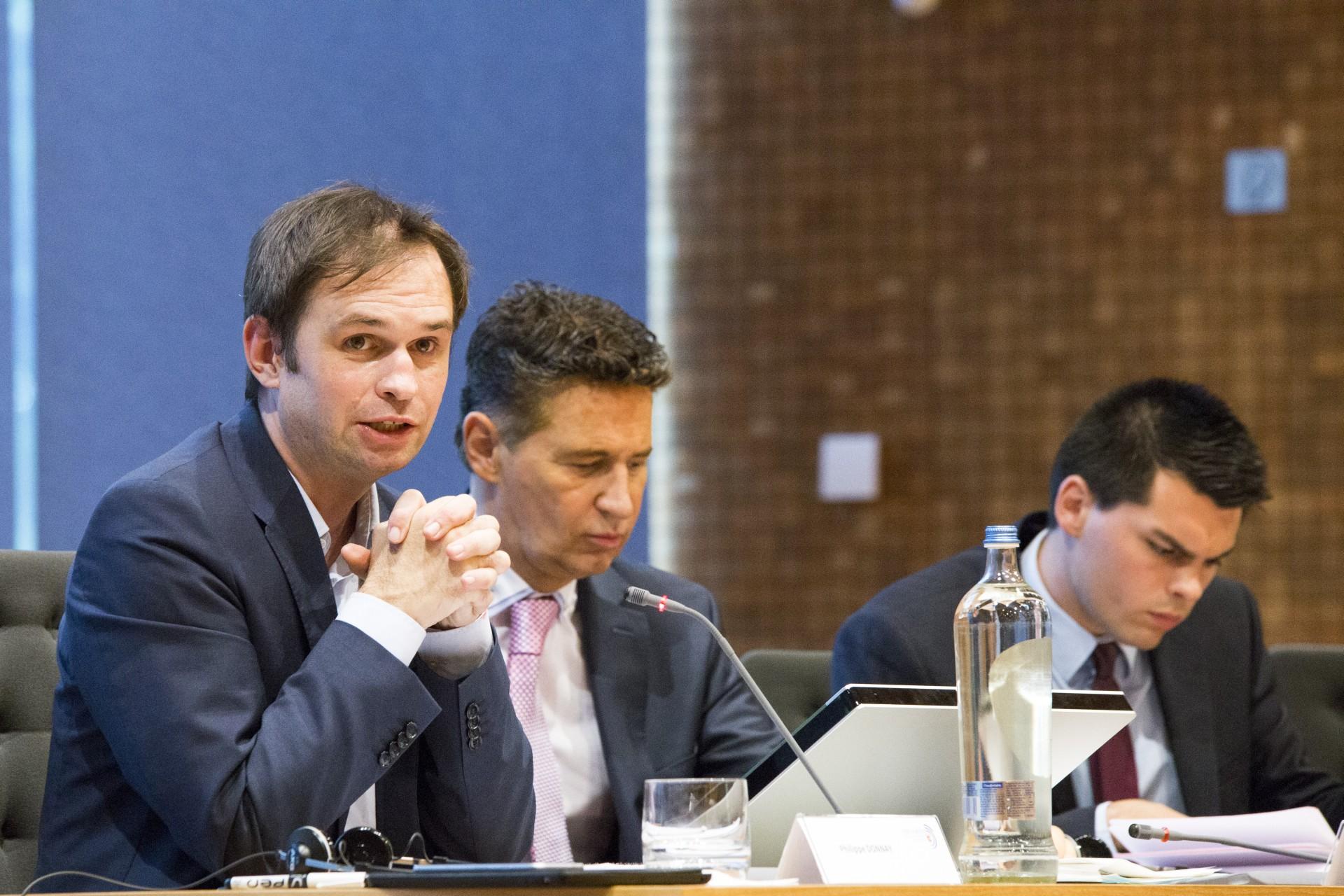 Anhörung innerbelgischer Experten und Reaktion der Regierung