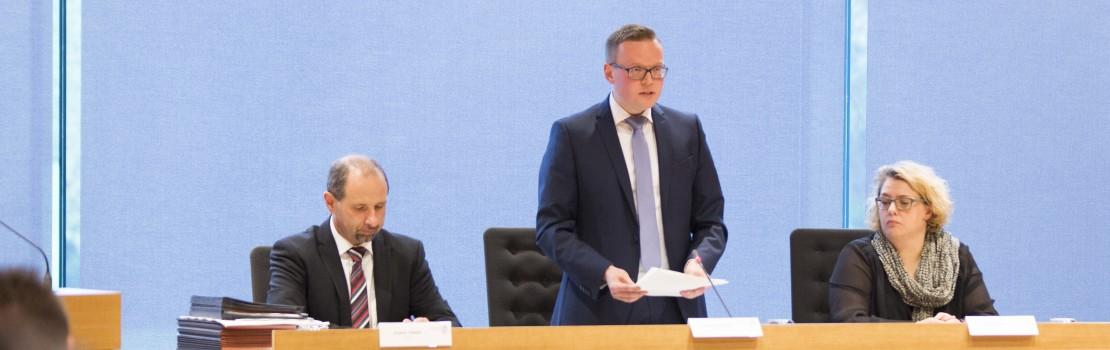 Alexander Miesen neuer Parlamentspräsident
