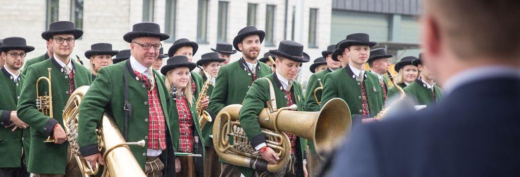 Parlament empfängt die Gäste des Tirolerfestes aus dem Salzburger Land
