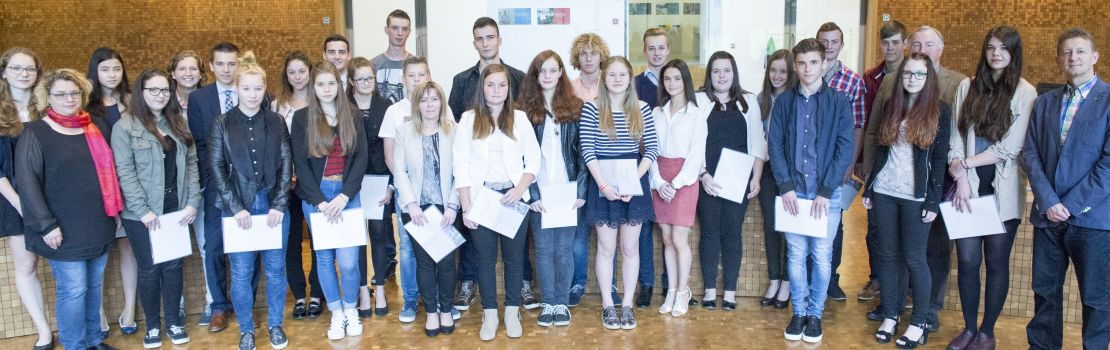 Schülerpreise des Parlaments für gute Leistung in Deutsch verliehen