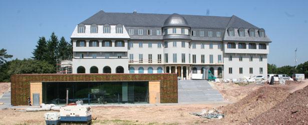 Bauarbeiten zum neuen Parlamentssitz in der Endphase